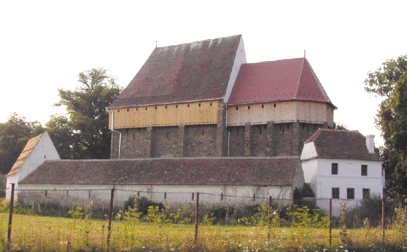 Biserica Fortificata Bradeni